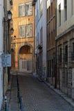 Kleine straat van het stadscentrum dichtbij Saint Paul Stock Foto's