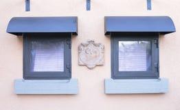 Kleine Terrakottasonnenuhr Lizenzfreies Stockbild