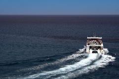Kleine toeristenboot Stock Afbeeldingen