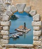 Kleine traditionele kapel in het eiland van Korfu stock afbeeldingen