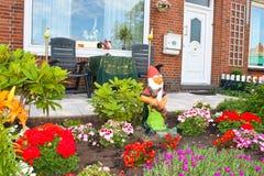 Kleine tuin voor het Nederlandse huis. Stock Afbeelding