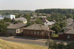 Kleine vectorhuizen Mening vanaf de bovenkant van de Boldin-bergen, Chernigov, de Oekraïne 15 juli, 2017 Royalty-vrije Stock Foto's