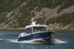 Kleine veerboot royalty-vrije stock afbeelding