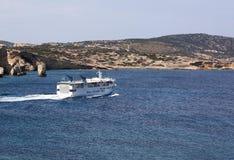 Kleine veerboot in Cycladen Royalty-vrije Stock Foto's