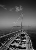 Kleine vissersboot/Dhoani op zee Royalty-vrije Stock Afbeelding