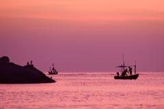 Kleine vissersboot in het overzees Royalty-vrije Stock Afbeelding