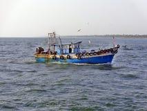 Kleine Vissersboot in Kerala Stock Afbeelding