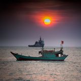 Kleine vissersboot in Overzees het Zuid- van China, Vung-Tau, Vietnam stock fotografie