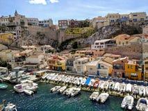 Kleine vissershaven in Marseille, Frankrijk stock afbeelding