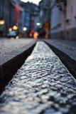 Kleine Wasserkanäle in den Straßen in Freiburg, Deutschland Lizenzfreie Stockfotos