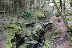 Kleine Waterval en Brug, stock fotografie