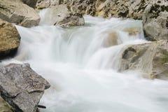 Kleine waterval in Mala Fatra NP, Slowakije Royalty-vrije Stock Foto's