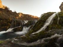 Kleine waterval op eiland royalty-vrije stock fotografie