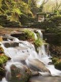 Kleine watervalruïnes in Eume Fragas Royalty-vrije Stock Fotografie