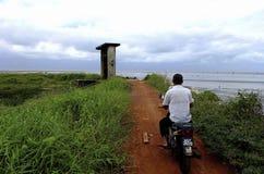 Kleine weg aan het strand royalty-vrije stock afbeelding