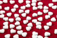 Kleine weiße Herzen Stockfotos