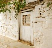 Kleine weiße Tür Lizenzfreie Stockfotografie