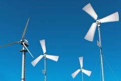 Kleine windturbines stock foto's