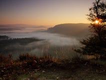 Kleine Winterberg en zonsopgang Stock Foto