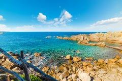 Kleine wolken in Costa Paradiso royalty-vrije stock foto