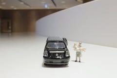 Kleine Zahl Hochzeit mit Auto Stockbild