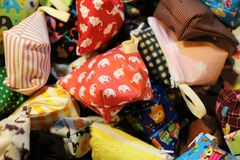 Kleine zak met leuk patroon Kleurrijk en mooi, voor muntstukken royalty-vrije stock afbeeldingen