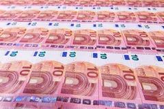 Kleine zehn Eurobanknoten Lizenzfreie Stockfotografie