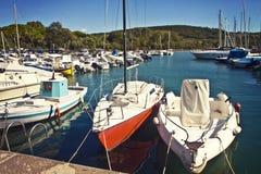 Kleiner adriatisches Seehafen Lizenzfreie Stockfotos