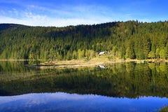 Kleiner Arbersee is een meer in Bayerischer Wald, Beieren, Duitsland Royalty-vrije Stock Afbeeldingen