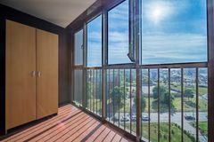 Kleiner Balkoninnenraum lizenzfreies stockbild