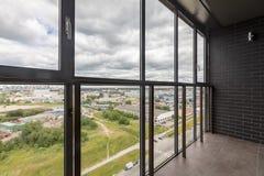 Kleiner Balkoninnenraum stockbild