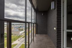 Kleiner Balkoninnenraum lizenzfreie stockfotos