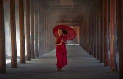 Kleiner buddhistischer Mönch lizenzfreies stockbild