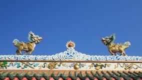 Kleiner Drachestatus auf chinesischem Tempeldach Lizenzfreies Stockbild