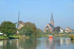 Kleiner Fluss in Holland Stockbilder