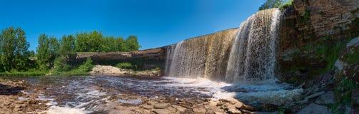 Kleiner Fluss Wasserfall-OM Stockfotografie