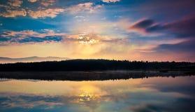 Kleiner Gebirgssee Stockbilder