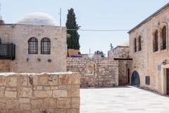 Kleiner Hof nahe dem Ausgang vom Raum des letzten Abendessens in Jerusalem, Israel Lizenzfreies Stockfoto