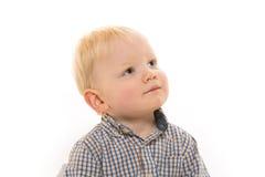 Kleiner Junge auf weißem Hintergrund Lizenzfreies Stockbild