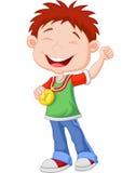 Kleiner Junge der Karikatur feiert seine goldene Medaille Lizenzfreies Stockbild