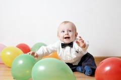 Kleiner Junge mit baloon Stockfotografie