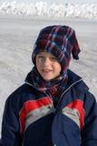 Kleiner Junge mit einem großen Lächeln Stockfotos