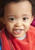 Kleiner Junge mit Schellfisch Stockfotografie