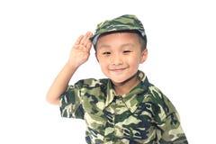 Kleiner Junge mit Soldatklage Stockbilder