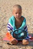 Kleiner Junge mit Tauchensschablone Stockbild