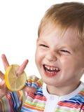 Kleiner Junge mit Zitrone Lizenzfreie Stockfotos