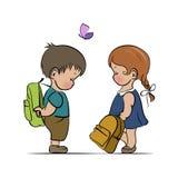 Kleiner Junge und Mädchen mit Rucksäcken Stockfotografie