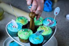 Kleiner Kuchen, der Show kocht Stockfotografie