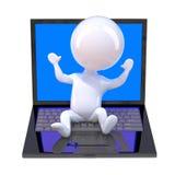 kleiner Mann 3d, der auf einem Laptop-PC sitzt Lizenzfreie Stockbilder