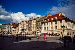 Kleiner Marktplatz in Krakau lizenzfreies stockbild